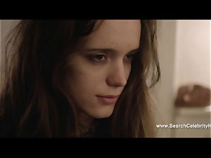 sensual Stacy Martin blows bone and is gobbled