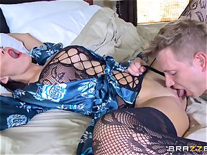 cuckold wife Peta Jensen cooter thrashed by Bill Bailey