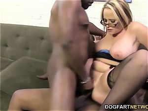 chesty cougar DeeSiren likes dual penetration