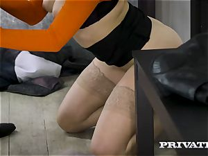 Private.com - Mia Malkova bangs in the ass-pipe