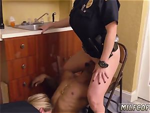 first-timer young cheating mummy black masculine squatting in home gets our cougar officers