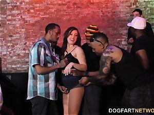 Jennifer milky multiracial gangbang - hotwife Sessions