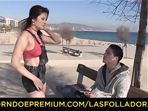 LAS FOLLADORAS - ample boobies doll picked up and penetrated