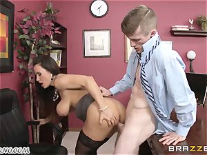 Lisa Ann - My big-chested mature sex therapist