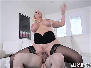 wild cougar Alura Jenson avoids the porno plot