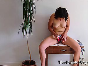 unshaved college girl jerks her dripping snatch