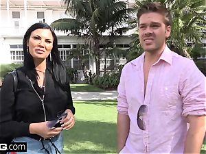 Jasmine Jae brings her man fucktoy along for a pov boinking