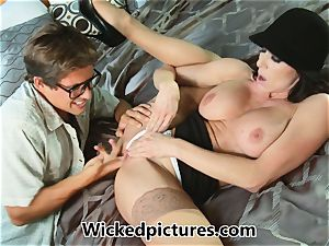 Kendra lust helps out a horny man with his problem