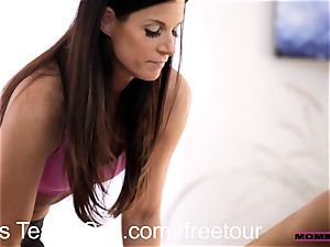 Step mummy exchanges jizz with nubile sweetheart Janice Griffith