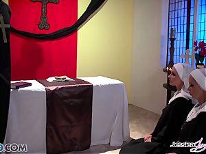 JessicaJaymes- Mick screws Jessica and Nikki brilliant butt