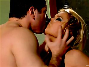 Shyla Stylez takes this hard boner deep in her cock-squeezing bum