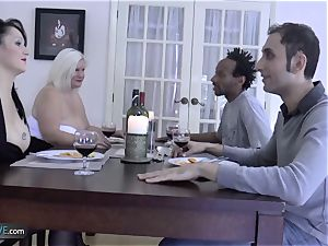 AGEDLOVE grannie chubby Lacey Starr faced her pals