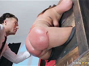 assfuck is on the menu for Maddy OReilly