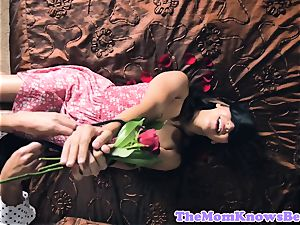 Sappho cougar pussylicked by blinded teenager