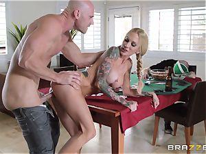 Sarah Jessie pummeling her husbands poker friend