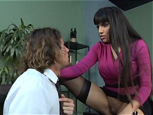 Mercedes Carrera gets an workers trouser snake deep inwards her
