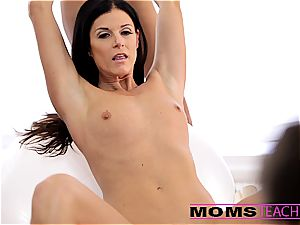 jizz-swapping with Janice and mummy India