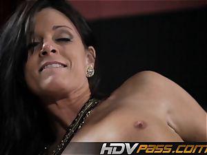 brunette babe India Summer pummels with lust in livingroom
