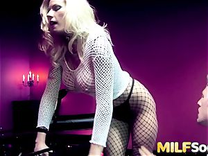 cougar Michelle Thorne gets anal smashing