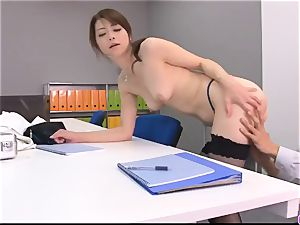 Maki Hojo leaves the boss to drill her at work