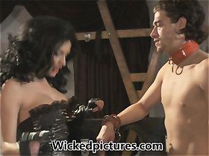dominatrix Alektra Blue gets her dude in a frenzy