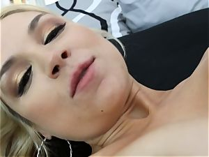 Sarah Vandella gets pounded in the donk