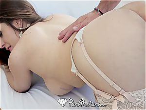 huge-titted mummy Veronica Vain beef whistle pounding