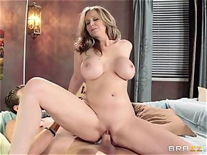 Julia Ann displays her sons-in-law friend a superb time