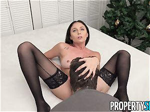 PropertySex Ariana Marie liking The Christmas bang-out