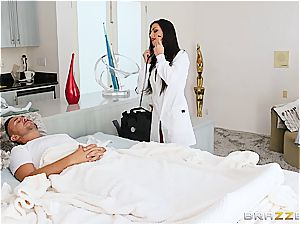 scorching doc fixes the patients erect manmeat with doggy style
