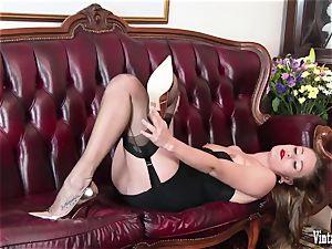 brunette bursting to spunk in antique corset nylons jerk