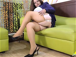 LATINCHILI Rosaly is jacking her huge mexican grandmother