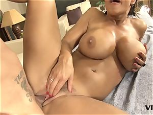 sumptuous mummy Lisa Ann has a taste for mexican meat
