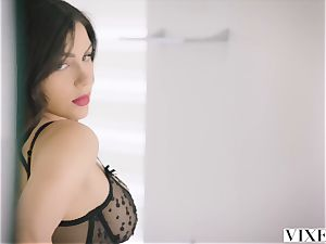 VIXEN steamy Valentina Nappi tempts her married manager