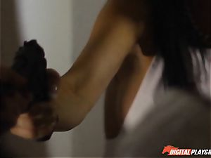 Policeman helps out Jasmine Jae decorate up her dirt