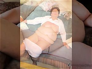 OmaGeiL pictures with bare grannies and Sextoys