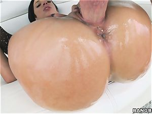 meaty arse Jada Stevens thrashed in her cootchie