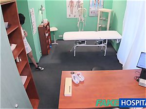 FakeHospital Minx deepthroats and smashes to get a job