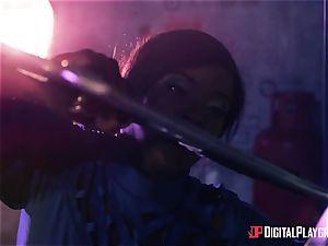 Kiki Minaj & Danny D - Klingons against the plucky crew of the Enterprise