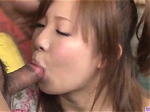 Konatsu Aozona mouths chisel in strenuous xxx episodes