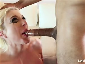 Leya Falcon wants her butt smashed tighter