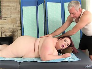 phat boobed plus-size Miss Ladycakes gets a hook-up rubdown