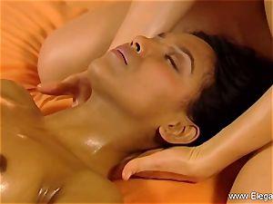 massage For black-haired girls