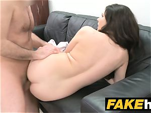 faux Agent Italian likes to be nailed rock hard on the couch