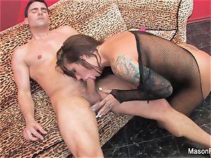 brunette honey Mason has an strenuous nail session