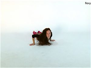 lengthy dark-hued haired teenager Anna Ocean