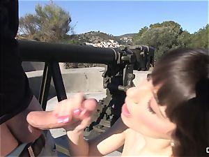 Chicas Loca - Follando junto al canon (spanish)